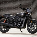 Harley Davidson Street Rod First Ride Review Visordown