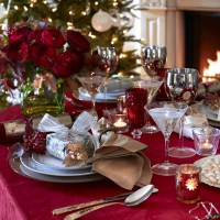 5 ideas for Christmas table settings | Festive decorations ...