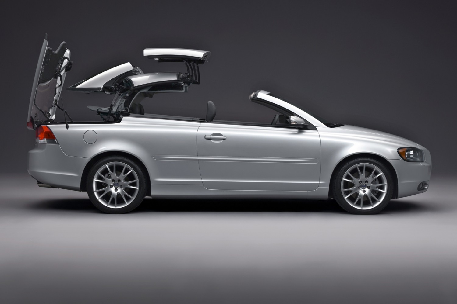 hight resolution of volvo c70 roof retraction 2