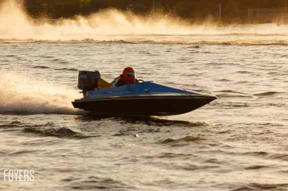 speed boats oulton broad-3719-copyright-Robert Foyers