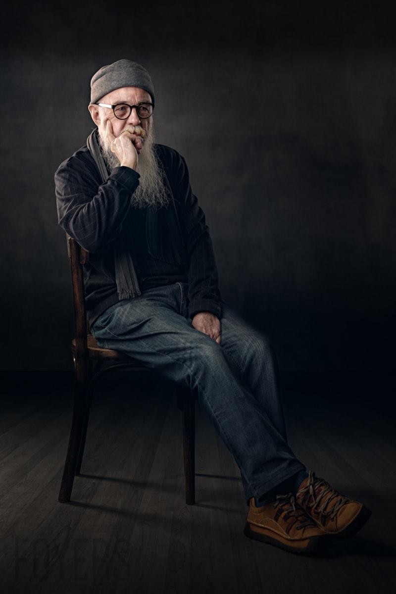 Colin Slee Suffolk based artist portrait