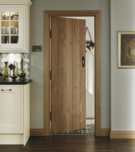 Doors Howdens & Solid Rustic Oak Ledged Door