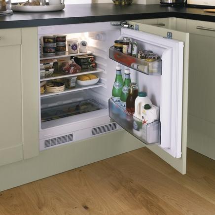 vinyl kitchen flooring cutlery lamona integrated larder fridge | howdens joinery