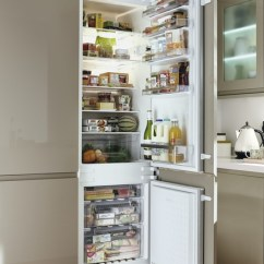 Cabinet Handles For Kitchen Storage Bosch Fridge Freezer: Integrated 70/30 | Howdens Joinery