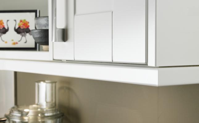 kitchen cabinet handle ikea countertop installation burford gloss white | shaker kitchens howdens ...