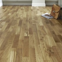 Pre-Finished Fast Fit Oak Flooring Strip | Howdens Joinery
