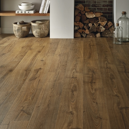 Quickstep Impressive Oak Laminate Flooring  Howdens Joinery