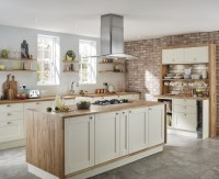 Fairford Antique White Kitchen | Shaker Kitchens | Howdens ...