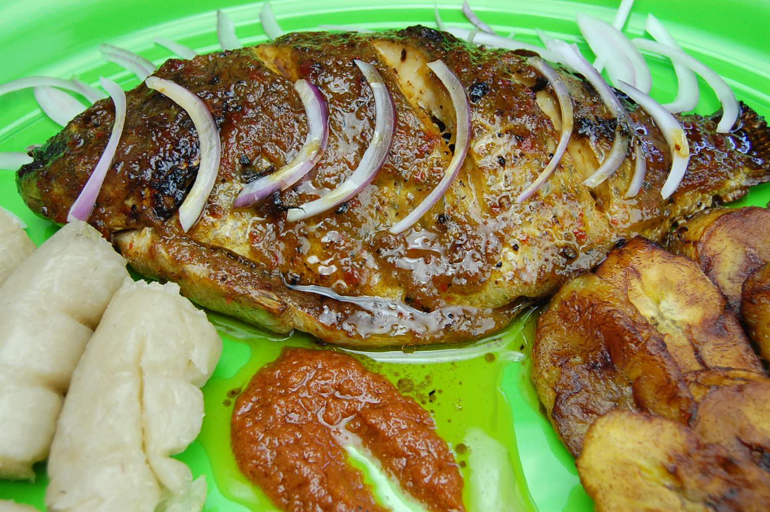 Recettes de cuisine africaine par ToiMoietCuisine  Tilapia au four Sandwich aux oeufs pic