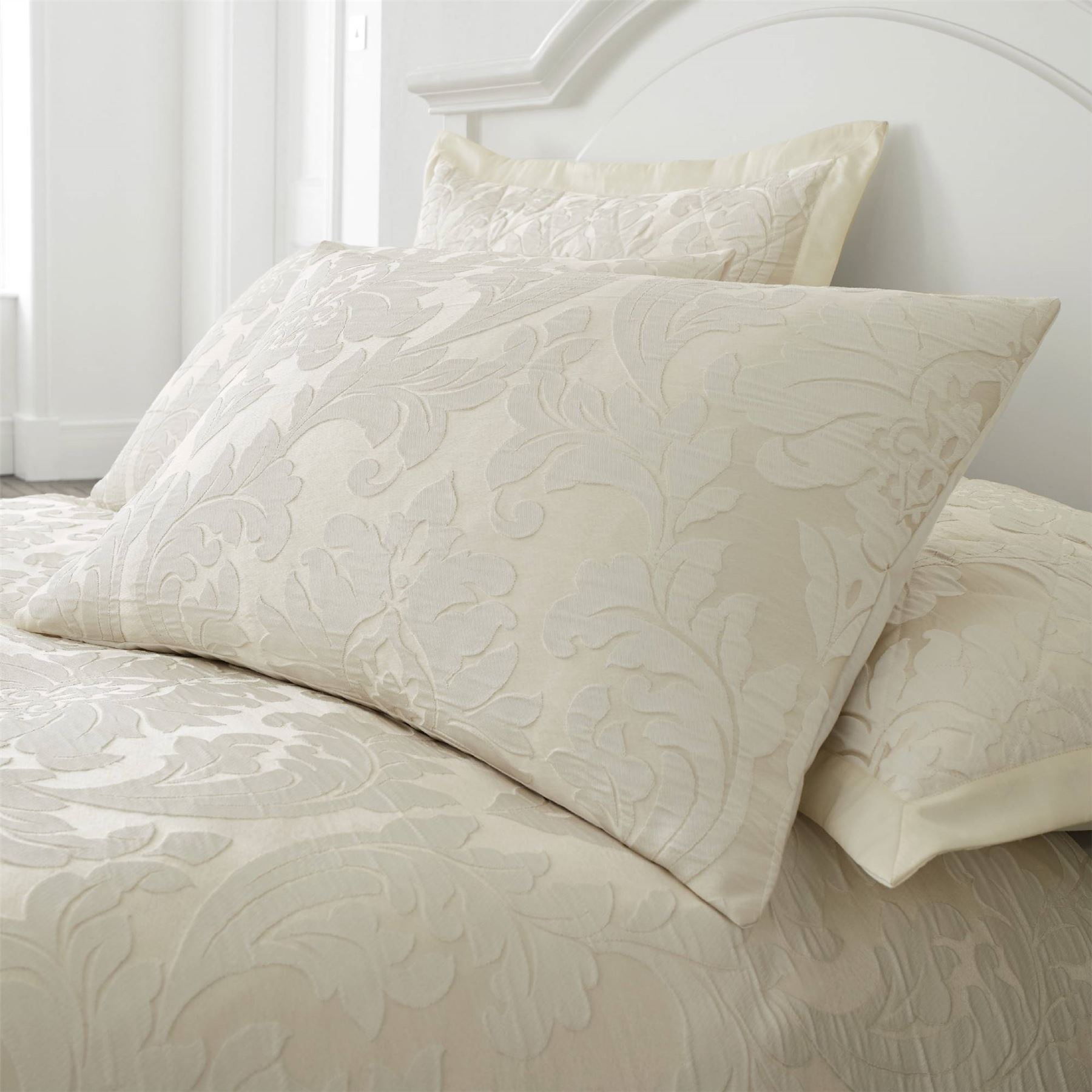 Luxury Jacquard Floral Damask Duvet Cover Bedding Cushions
