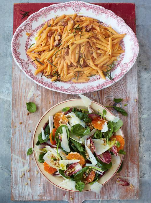 Chorizo carbonara with Catalan salad