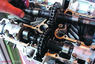Suzuki GS750 motorcycle engine overhaul