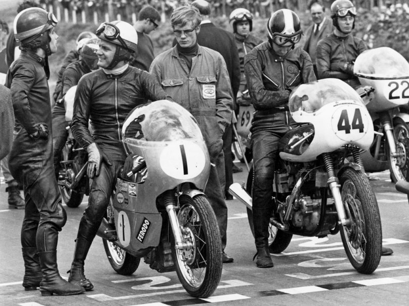 Images used by Lewis Leathers - Giacomo Agostini chats with Mike Hailwood (seated No. 1) on a 500cc Seeley, No. 44 Ken Redfern (745 Domiracer), No. 22 John Cooper (500cc Seeley) at Mallory Park 21st September 1969