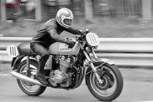 Laverda 1000 racing on circuit