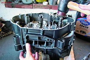 Yamaha XT500 motorcycle engine rebuild