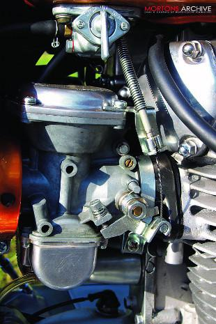 Yamaha XS1 carburettor