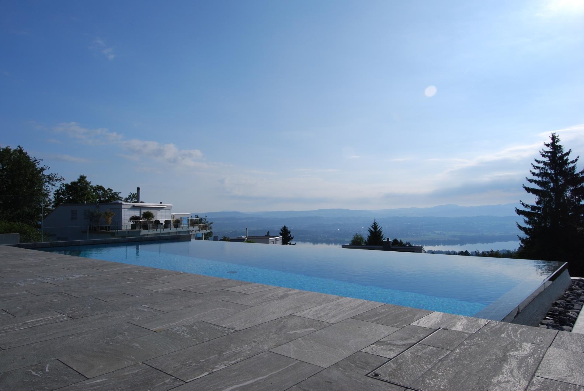 Infinity Pool Mit Sicht In Die Unendlichkeit Homegatech