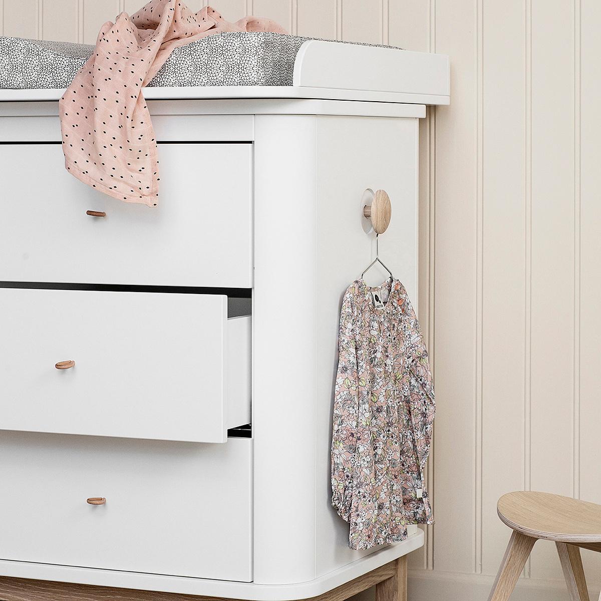 Cassettiera Wood con fasciatoio piccolo by Oliver Furniture  LOVEThESIGN