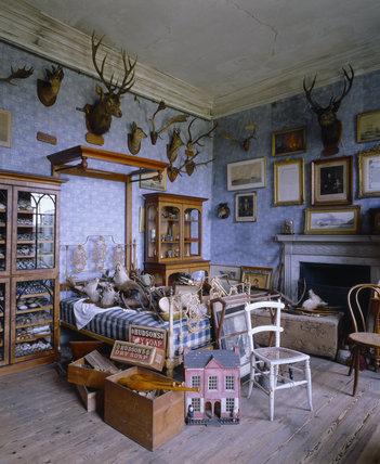 Animal Bedroom Wallpaper View Of Sir Vauncey Harpur S Bedroom At Calke Abbey Calke