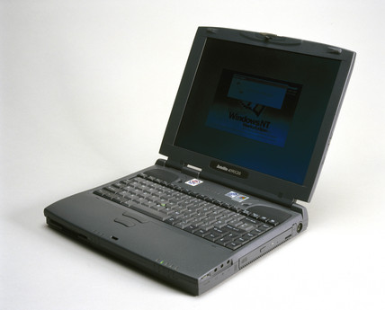 Toshiba Satellite 4000 series laptop computer 1999 at