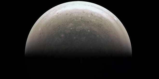 Juno envoie ses premières images de Jupiter