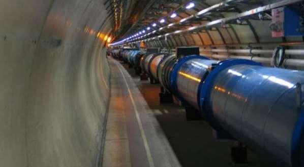 5000 auteurs pour écrire un article scientifique sur le Boson de Higgs