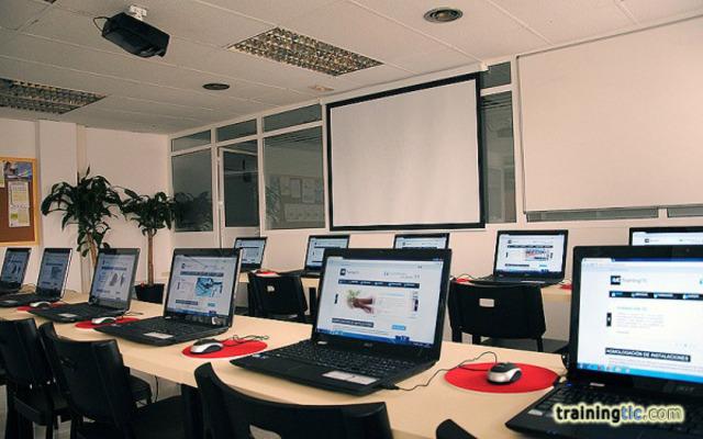 Alquila Sala con ordenadores en Sevilla por horas y das