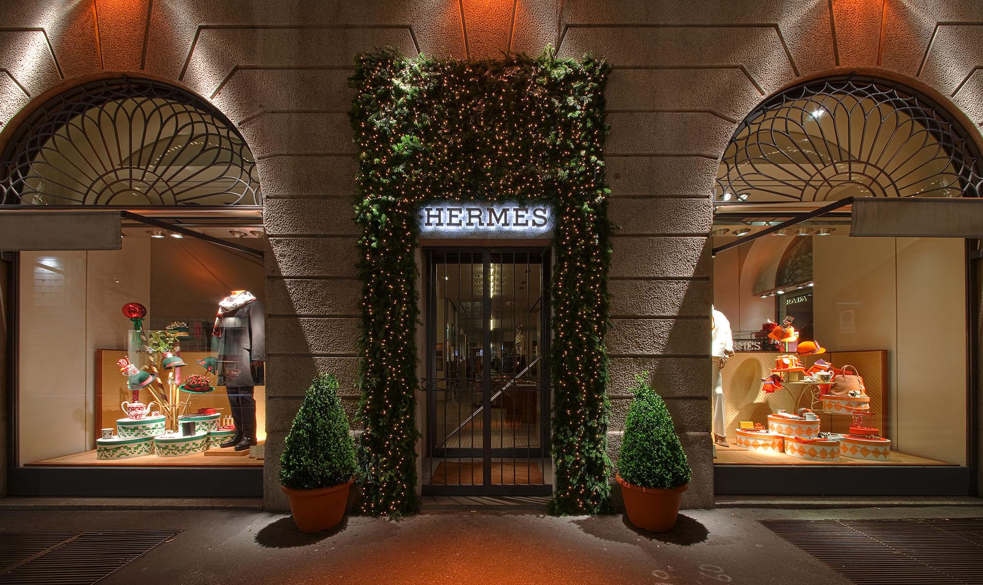 Hermès vetrine - Photo: © Andrea Pisapia / Spazio Orti 14