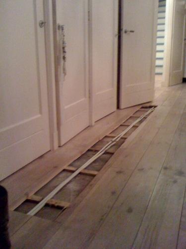 Herstellen grenen planken vloer  Werkspot