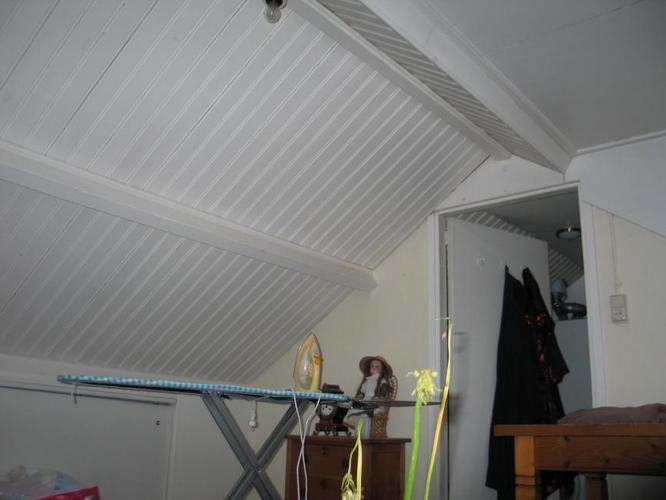 schilderenafkitten zolderkamer  Werkspot
