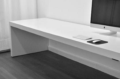 Hoogglans wit bureau  Werkspot