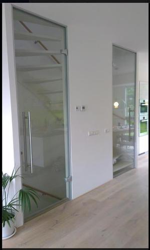 Glazen schuifdeuren plaatsen bij open trap  Werkspot