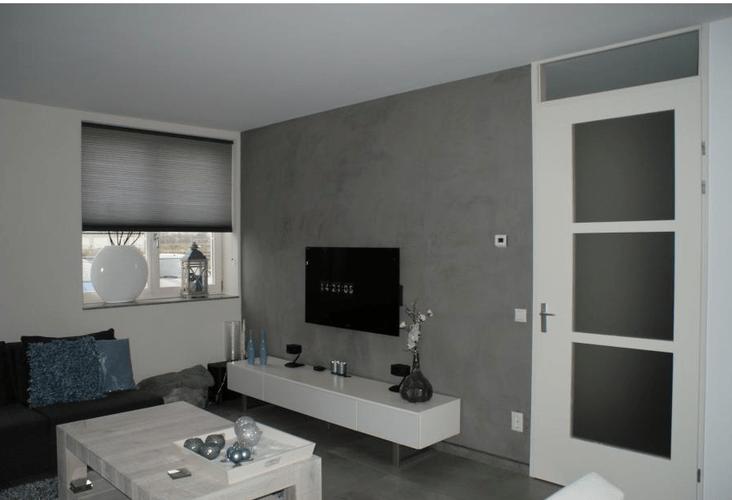 Muur woonkamer in Betonlook stucen beton cire  Werkspot