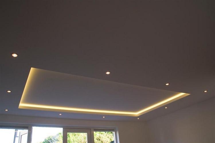 nieuw plafond met koof en verlichting  Werkspot