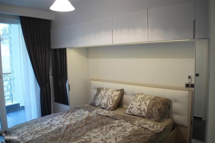 garderobe kast rondom het bed maken 4 x 357 x 06 meter