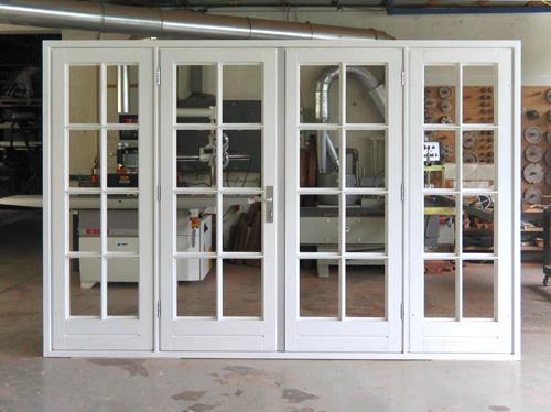 Nieuw buitenkozijn met openslaande deuren  Werkspot