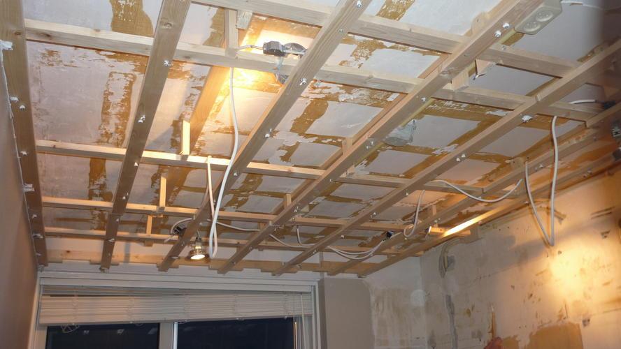 Vloer ophogen verlaagd plafond en stuken  Werkspot