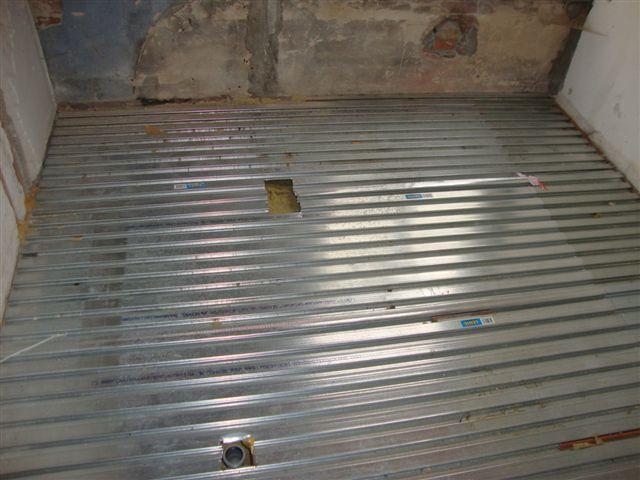 Betonvloer storten in badkamer  Werkspot