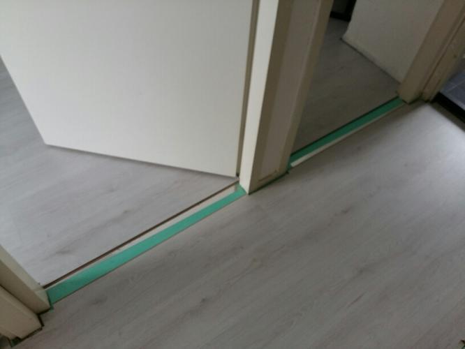 Overgangsprofielen plaatsen tussen laminaat  Werkspot
