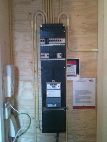 Stopcontact en Plank in meterkast maken  Werkspot