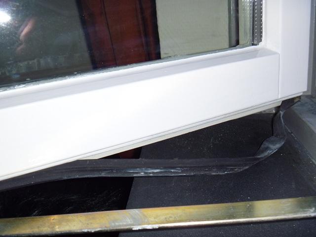 Raamkozijn slaapkamer  rubber vervangen  Werkspot