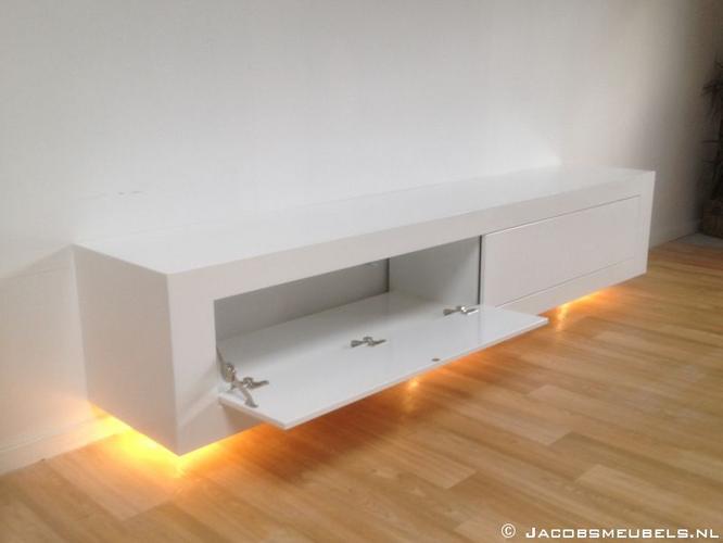 zwevend tv meubel hoogglans wit  Werkspot