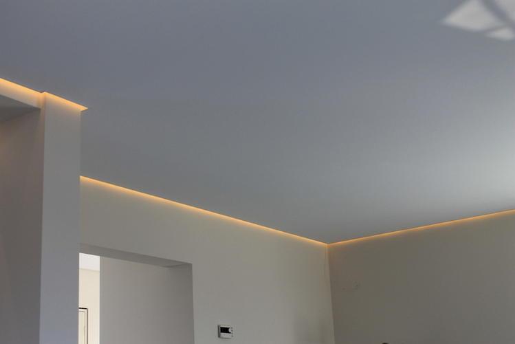 Plafond verlagen met LEDverlichting  Werkspot