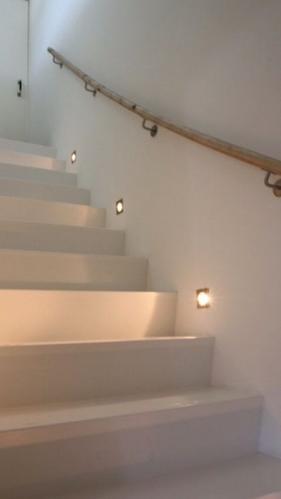 Led verlichting beton muur trap  Werkspot