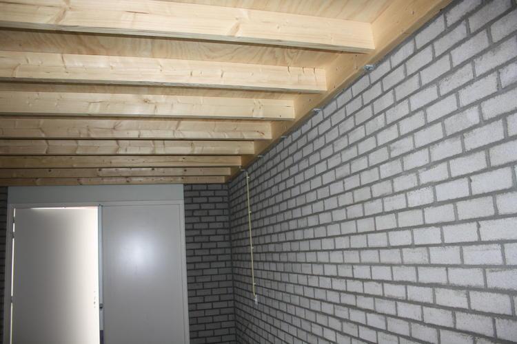 Afwerken garage en zolder met tussenwand  Werkspot