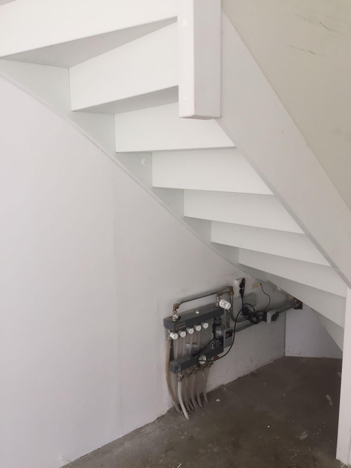 Trapkast maken in de woonkamer  Werkspot
