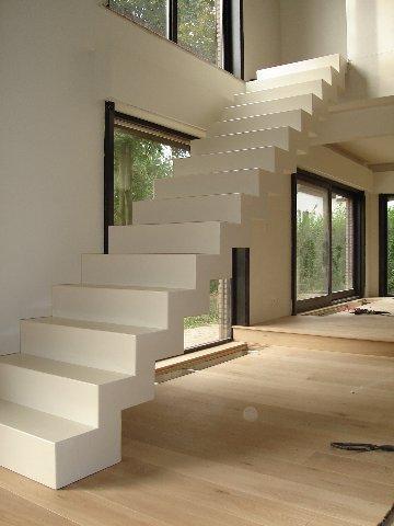 2 nieuwe moderne trappen  Werkspot