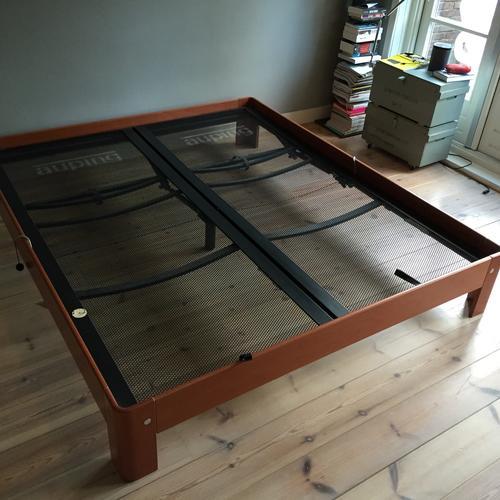 schilderenoverspuiten auping auronde bed 180 x 210  Werkspot