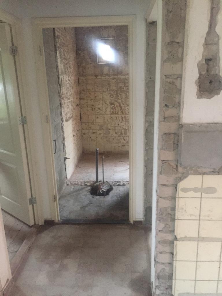 Tegels zetten 75 m2 Muur Vloer Badkamer Gang