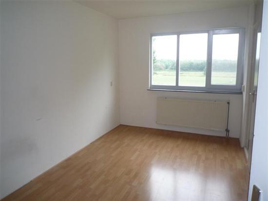 schilderen muren en plafond woonk 25m2 en slaapkamer 14 m2